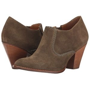 Size 8.5 Women's Suede Kyle Boot